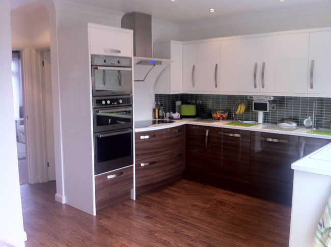 A modern kitchen in a new build, designed and installed.