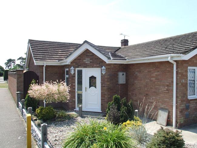 Corner porch extension