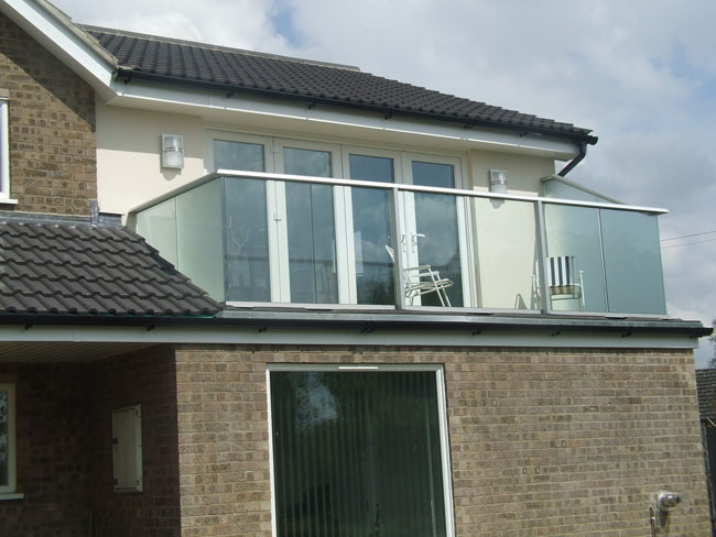 Glass balcony to rear of property